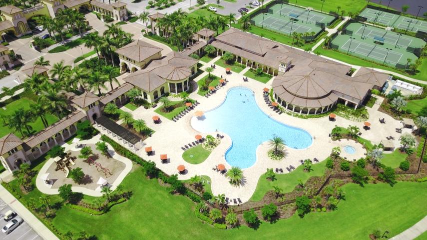 Gran Paradiso in Venice FL