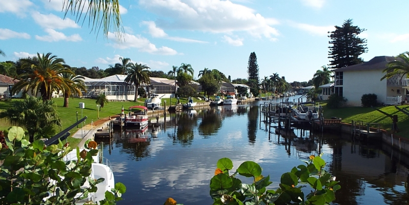Waterfront Homes in Englewood Isle
